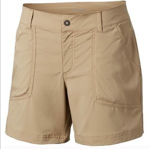 Women's Columbia Kestrel Trail Stretch Shorts Tan